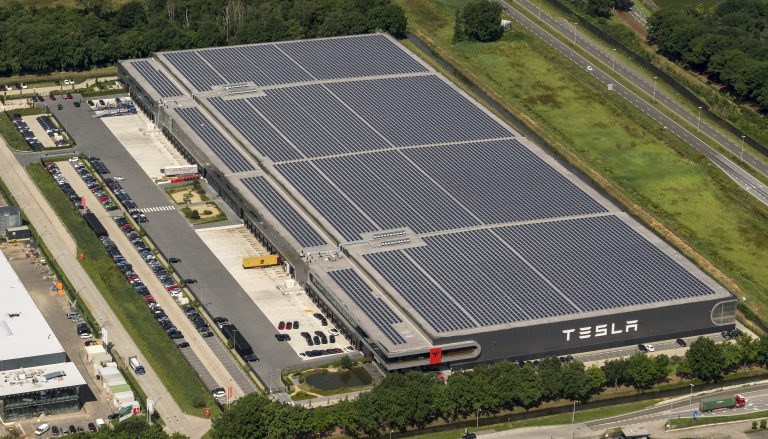 Tesla Factory roof solar panels